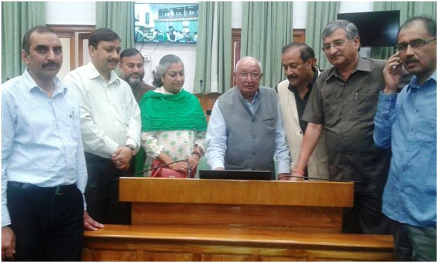 Speaker Butail with MLAs testing E-Vidhan Network