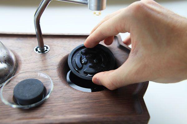 Barisieur coffee maker and alarm clock by Joshua Renouf_16
