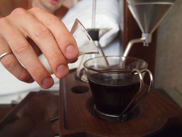 Barisieur coffee maker and alarm clock by Joshua Renouf_2