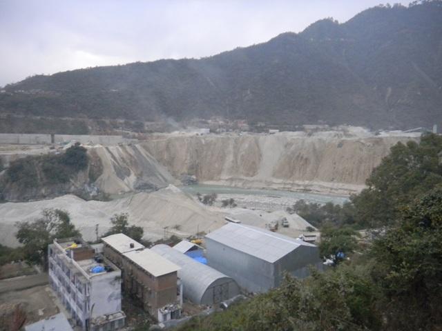 Muck dumped along Alaknanda at Srinagar that wrecked havoc in Uttarakhand