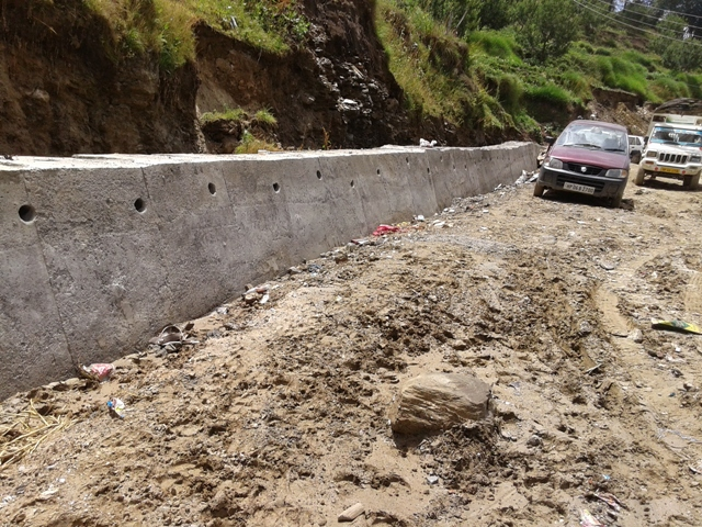 Theog Kothkai Jubbal Hatkoti Rohru Road Condition