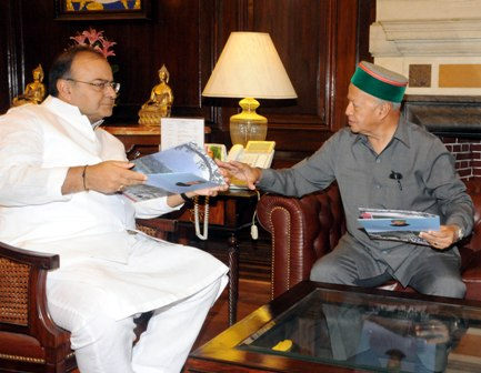 Virbhadra Singh with Arun Jaitely