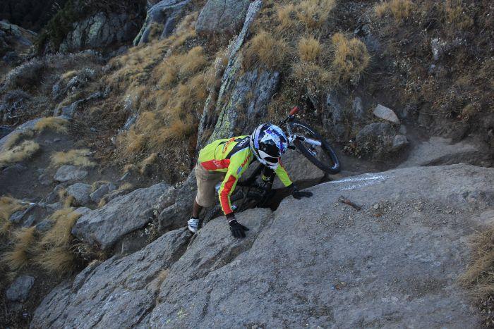Mountain bikers cycle to Churdhar_2