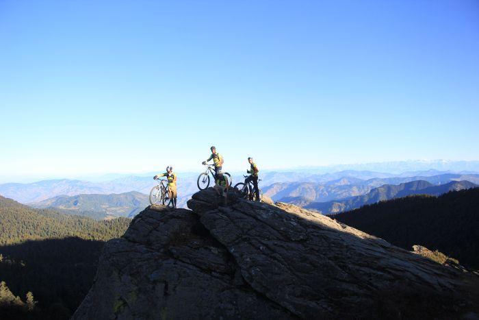Mountain bikers cycle to Churdhar_5