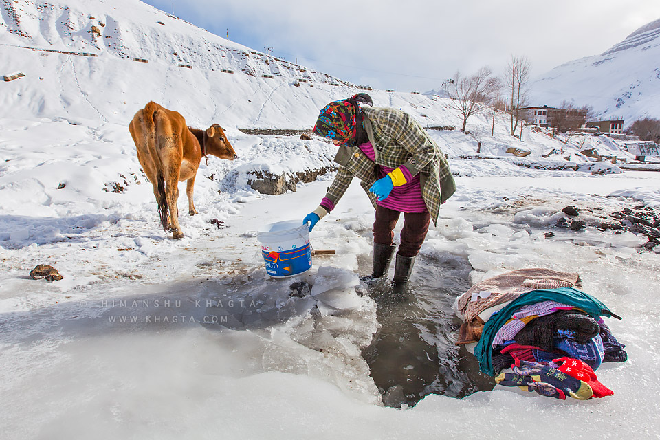 Tsering Dolma washing clothes in Kaza in the month of January